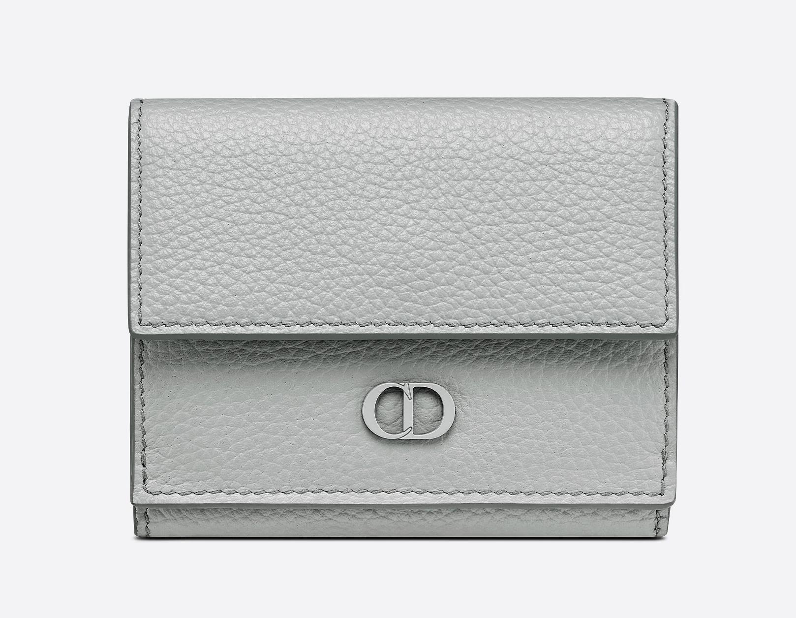 Dior 三摺錢包,建議售價 NT$19,500