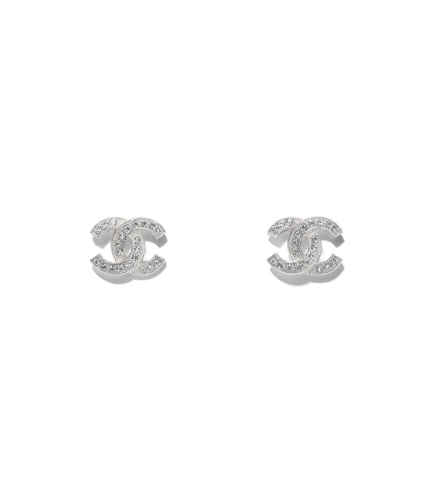 CHANEL 金屬水晶耳環(銀),建議售價 NT$12,800