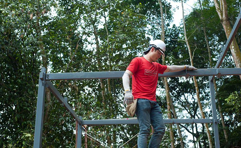Gavin Li figuring a way to come down.
