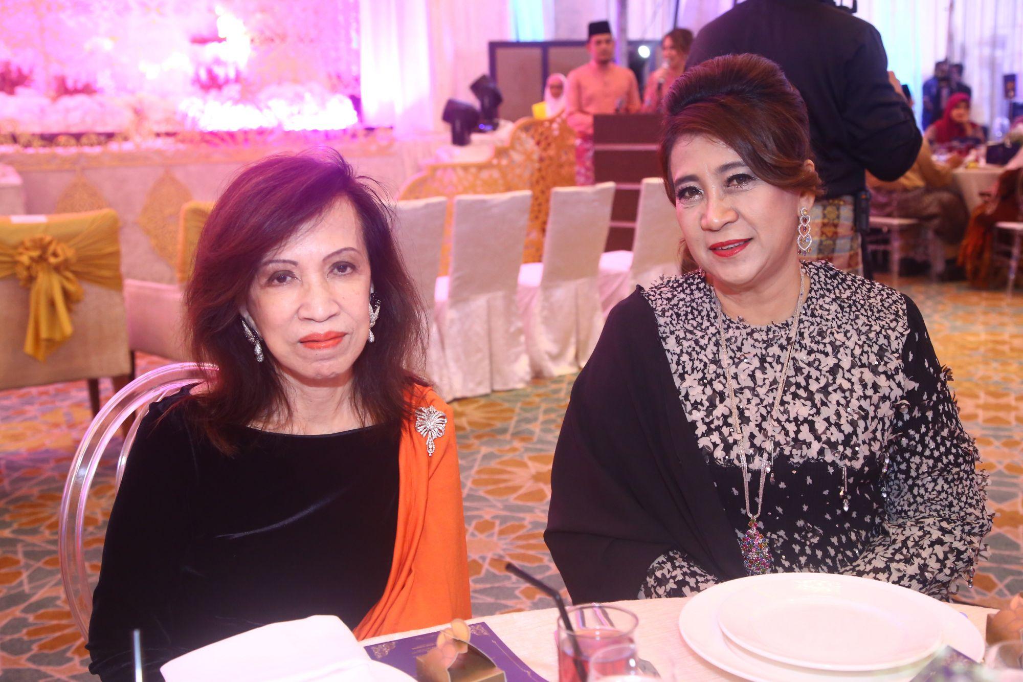 Tengku Datuk Zaleha and Datin Seri Dato' Che Mahani Ismail