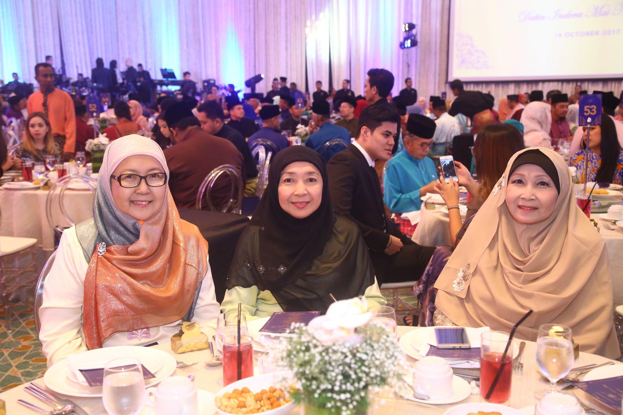 Tengku Dato Raihanah, Tengku Intan Marliah and Tengku Datin Yasmin