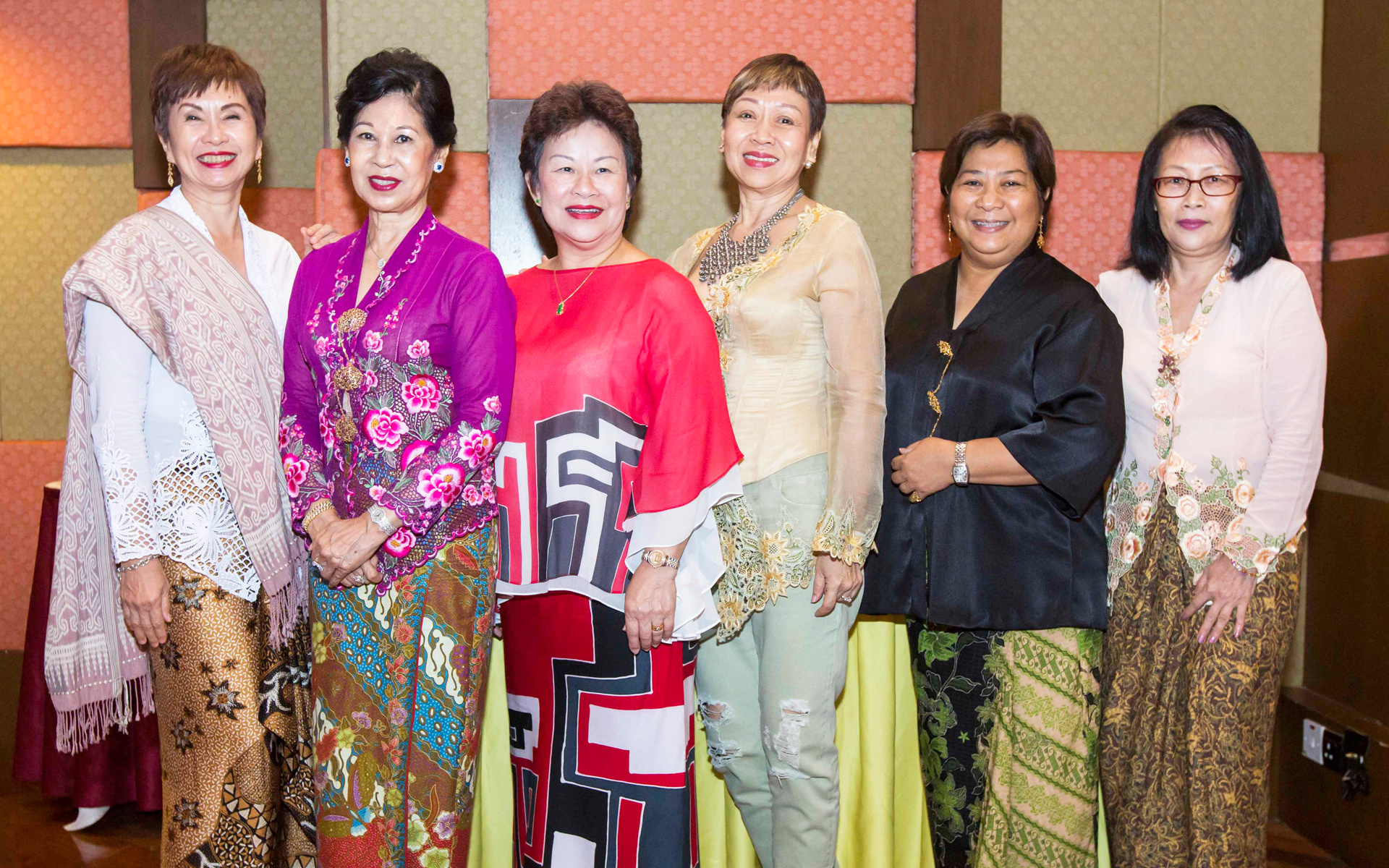 Dr Evelyn Khor, Datin Rose Chin, Eunice Moss, Leong Swee Han, Fadzillah Yassin and Lee Gee Eng