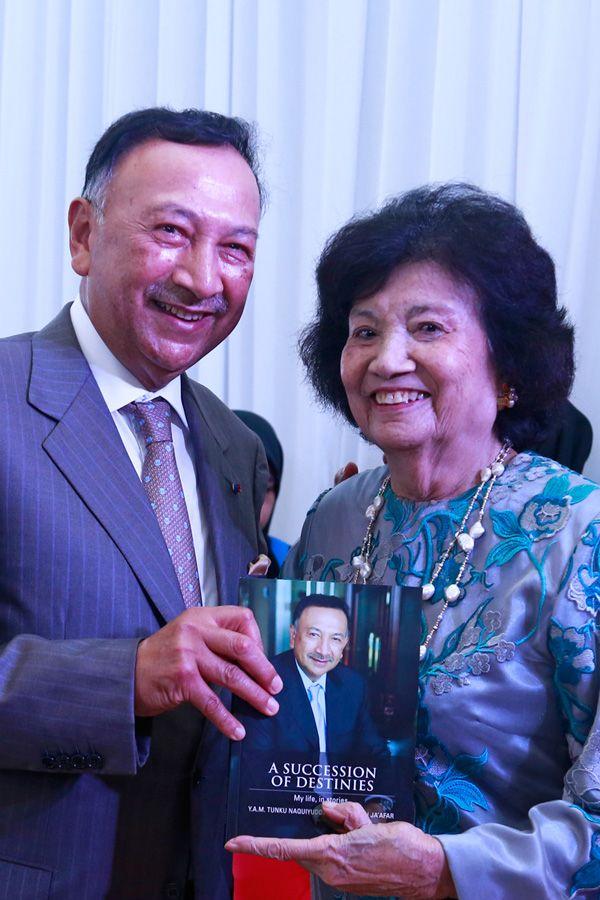 Tunku Naquiyuddin and Tuanku Najihah