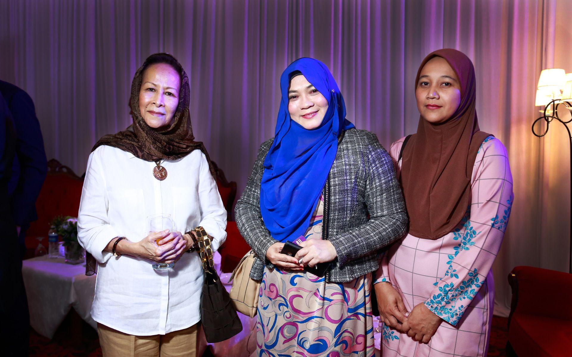 Datuk Tunku Kamaliah Sultan Badlishah, Iera Yusoff and Anizah Sulong