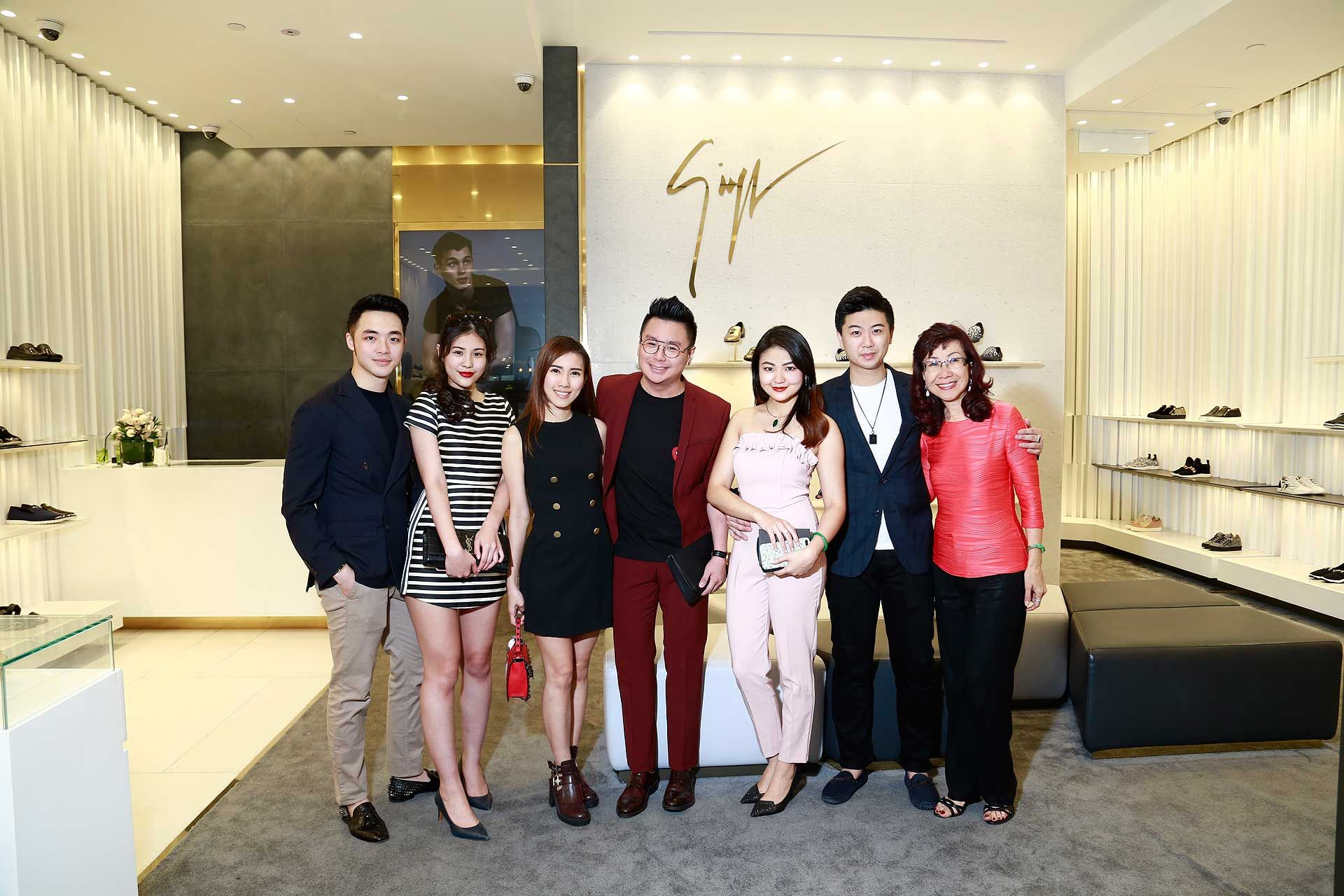 Alson Goh, Tiffany Foo, Carew Tiew, Alex Lee, Denise Chiew, William Sin and Florence Fang