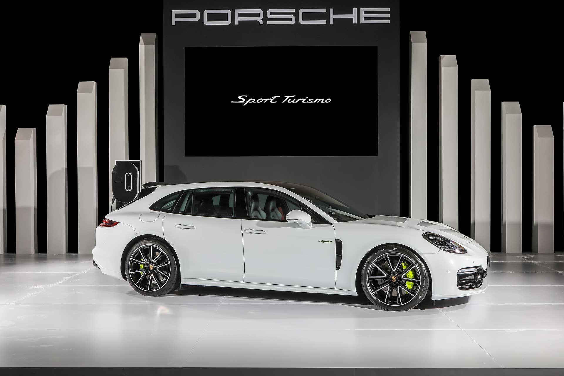 Porsche Panamera E-Hybrid Sport Turismo 2