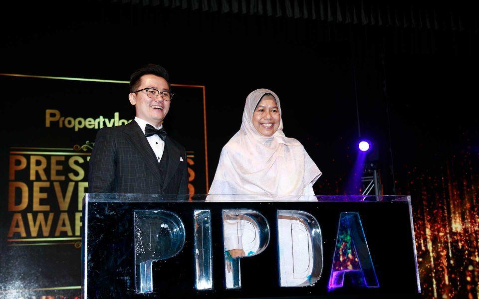 Dato' KK Chua and Zuraida Kamaruddin