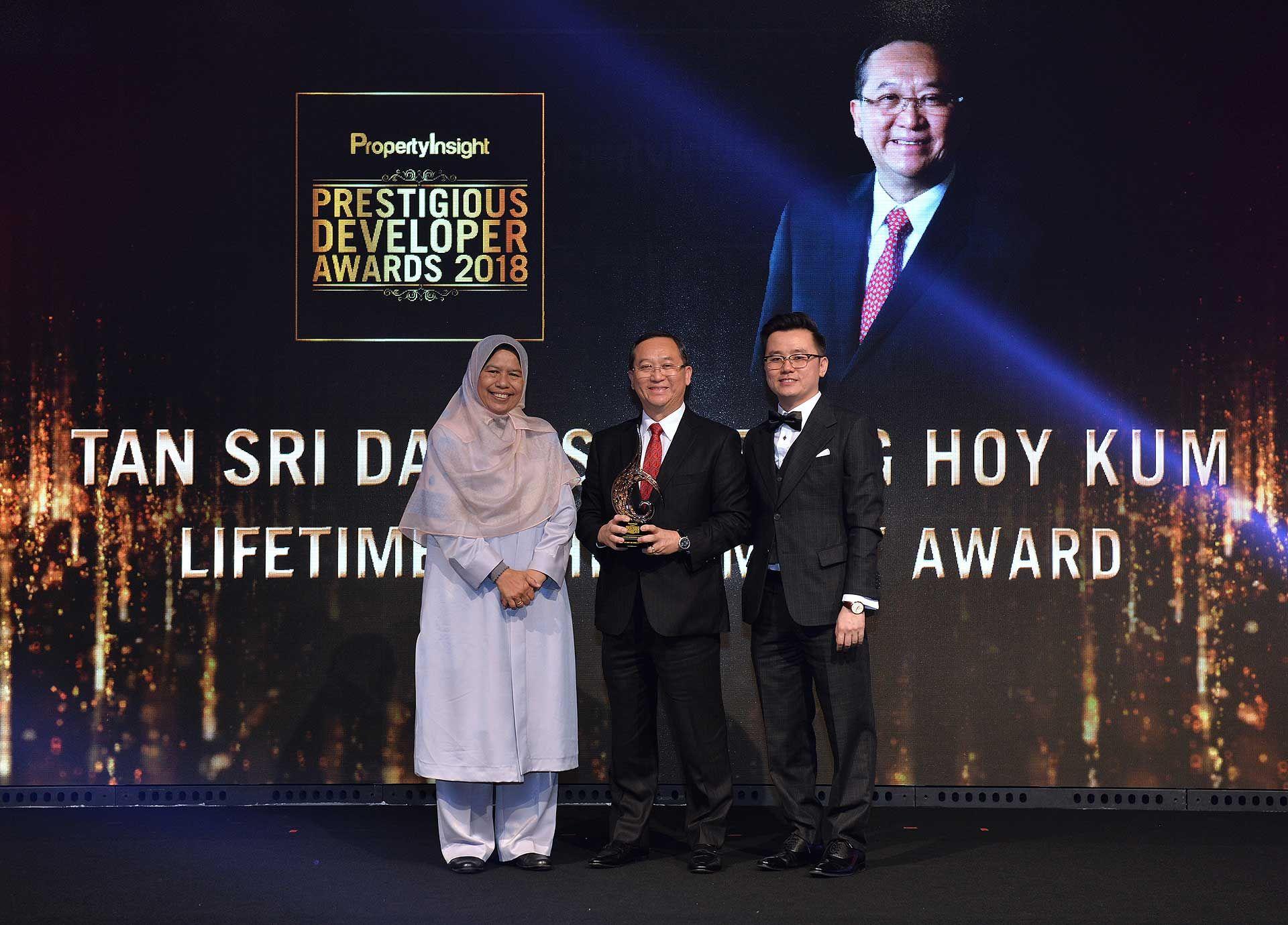 Zuraida Kamaruddin, Tan Sri Dato' Seri Leong Hoy Kum and Dato' KK Chua