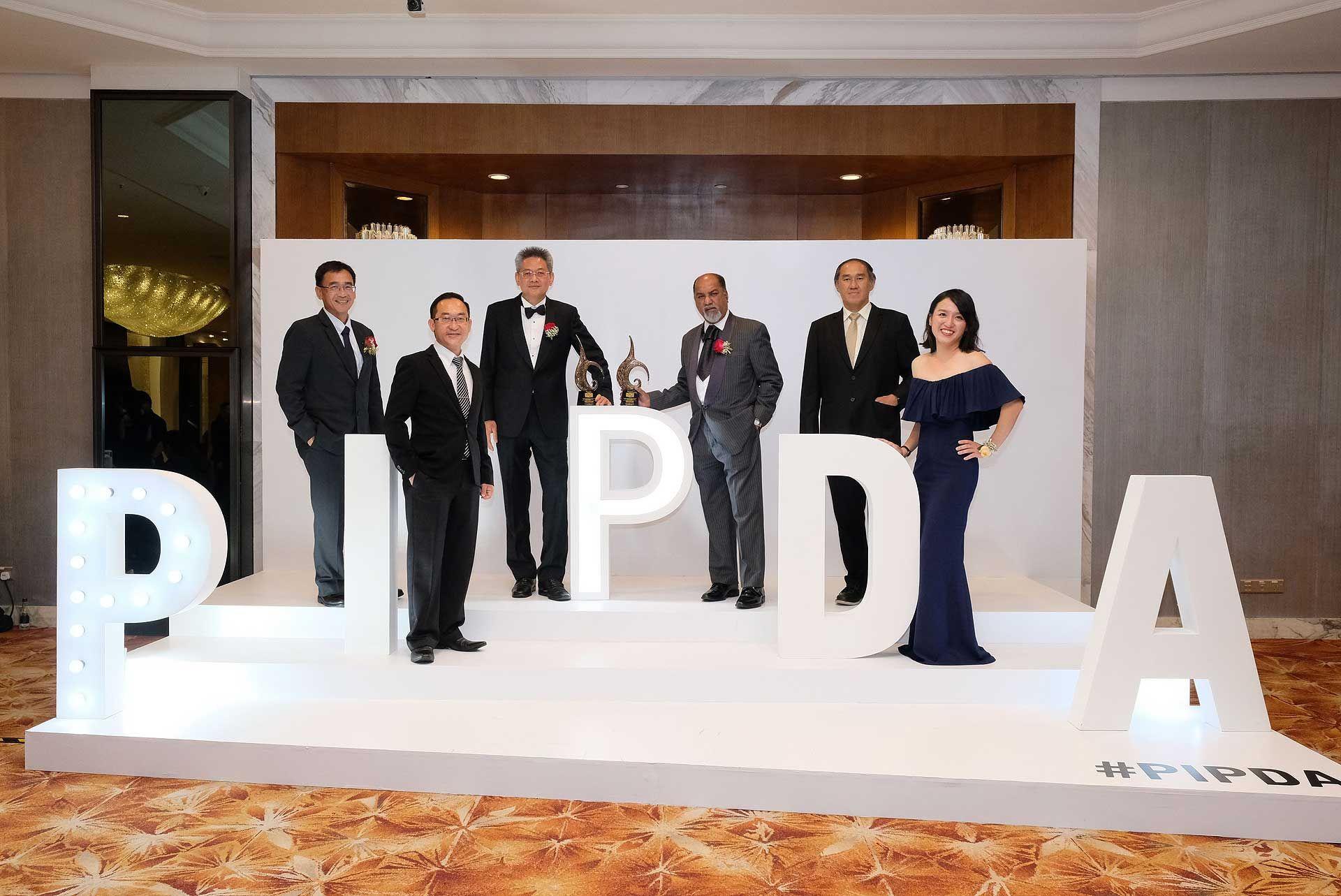 Leong Jee Van, Pak Heng Cheong, Ho Kong Soon, Dato' N Logendran, Tan Seng Heng and Tan Sze Chee