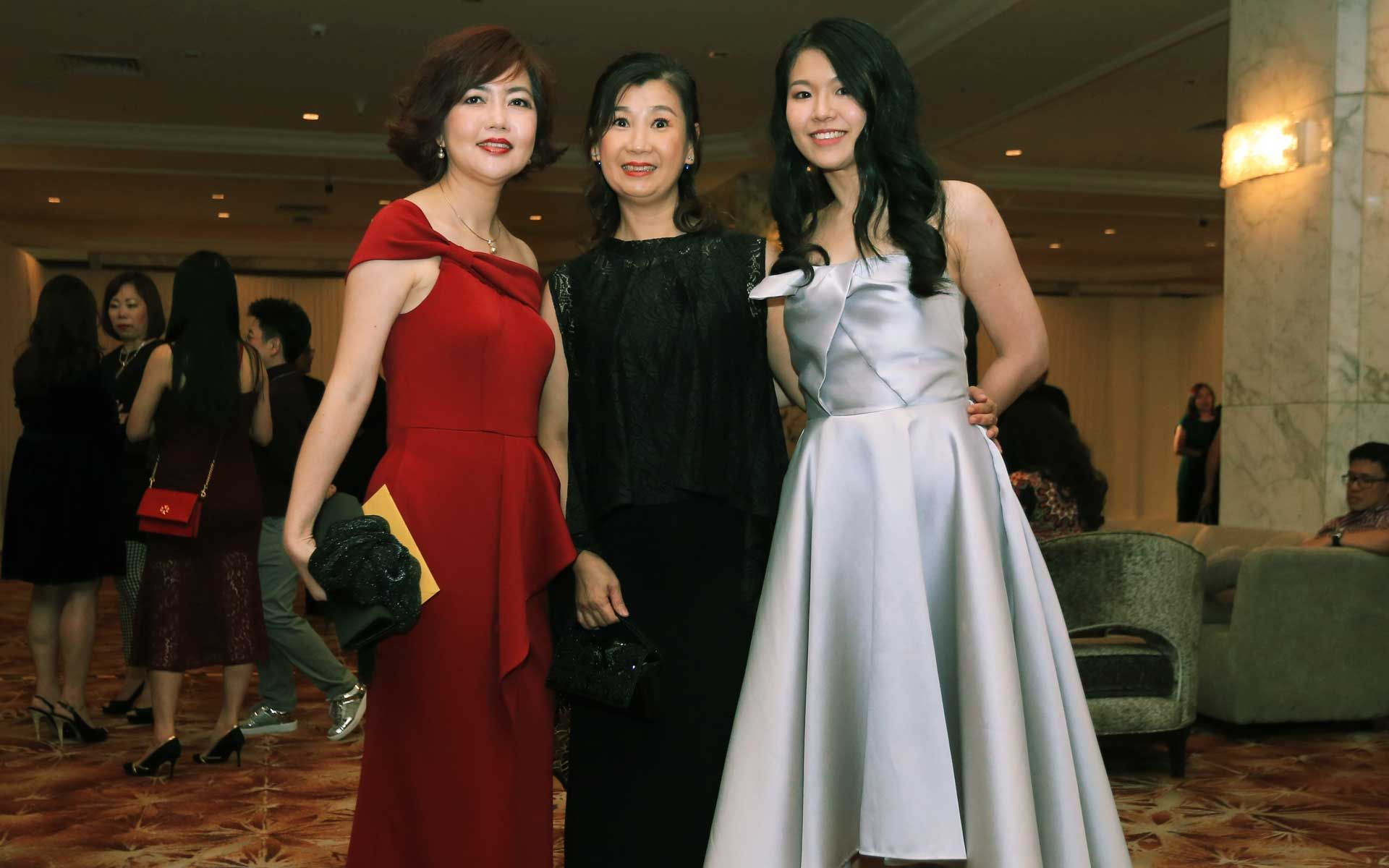 Liew Ivy, Helen Hoo and Jess Yong