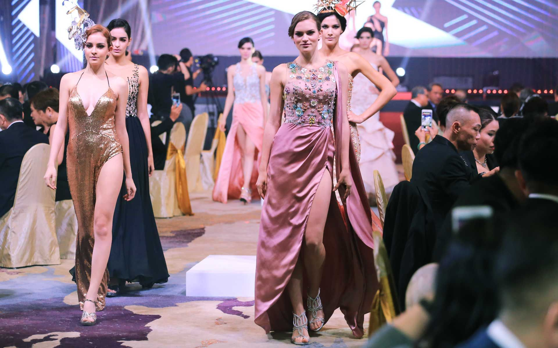 Fashion showcase by Carven Ong