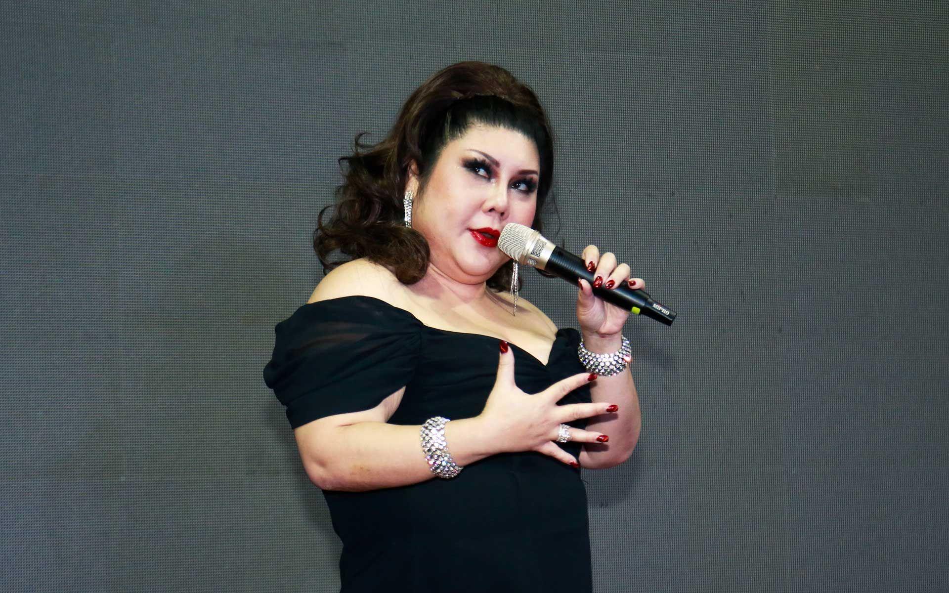 Joanne Kam