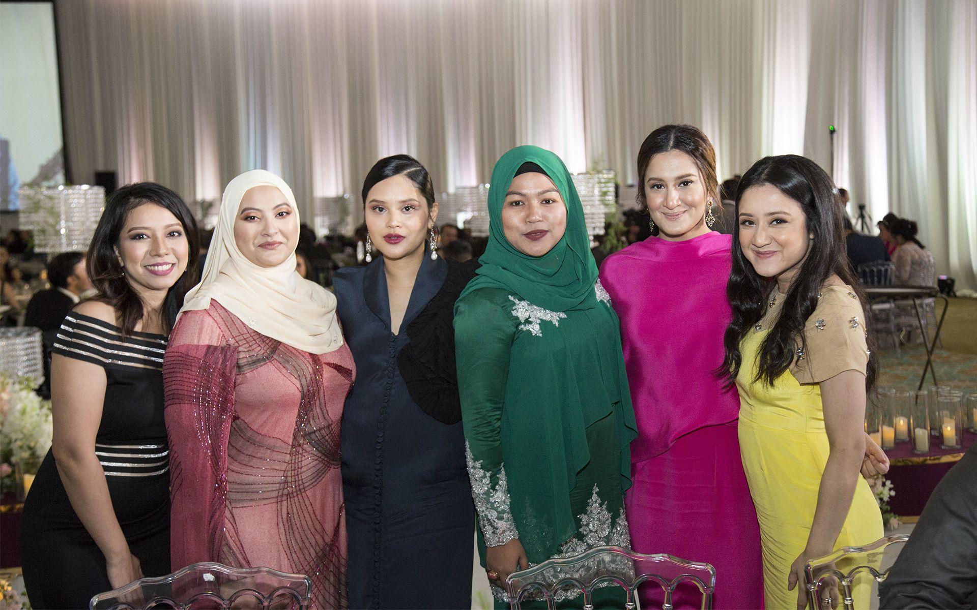 Rinee Ahmad Sean, Farah Fusil, Alia Alizar, Ema Zaghlol, Farahana Azmin and Fara Alyaa Azmin