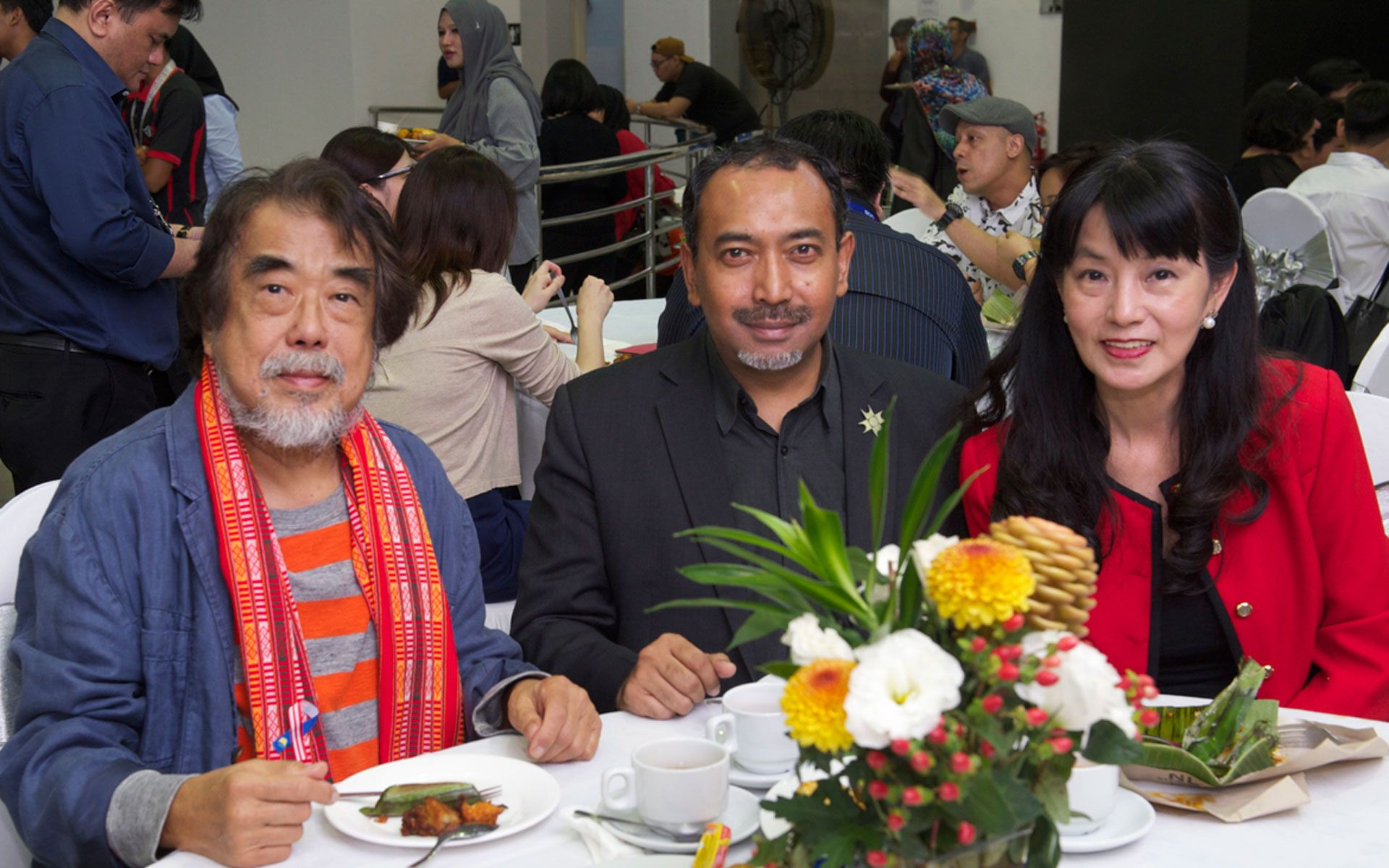 Professor Dr. Jimmy Lim, Ezumi Harzani and Datuk Tan Pei-Ing