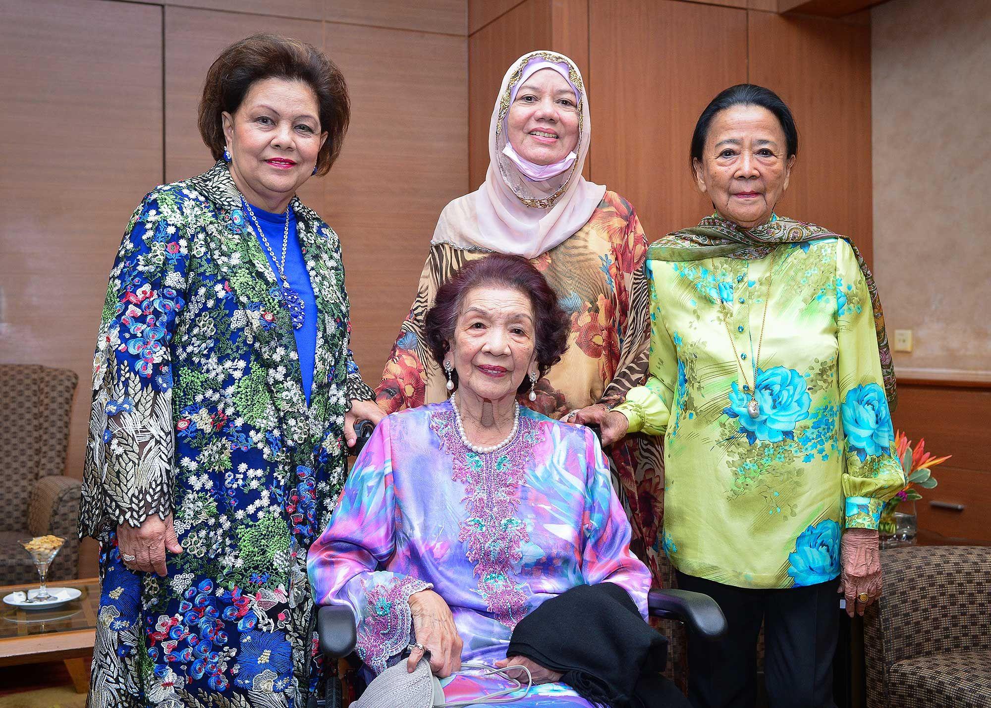 Tunku Puan Sri Arishah Tunku Maamor, Tunku Datin Maztom Tunku Maamor, Tunku Shahariah Tuanku Abdul Rahman and Dato' Seri Tunku Sakinah