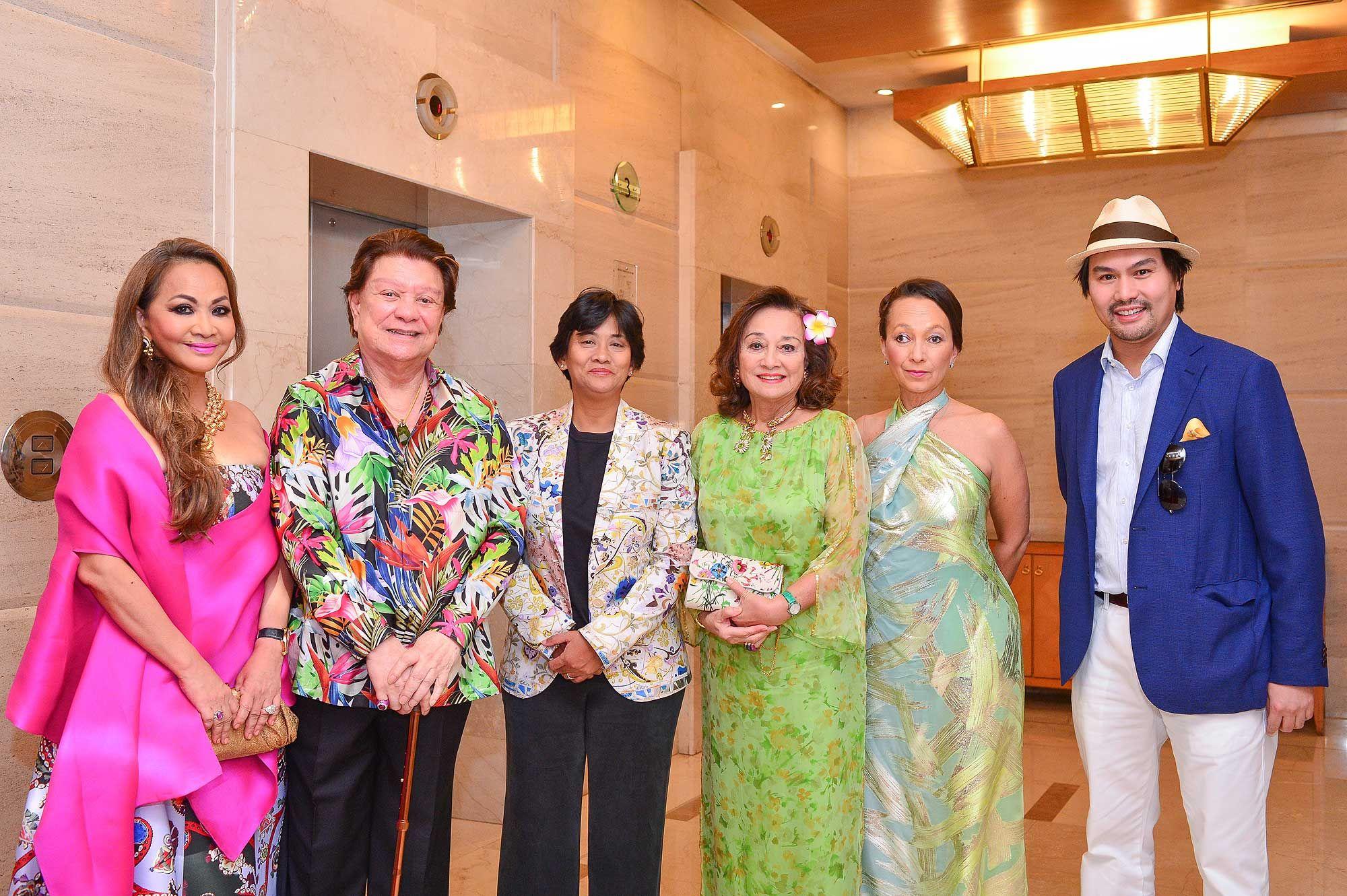 Che Engku Puan Sri Rozeeta, Tunku Mizan, Puteri Intan Shafinaz, Tunku Dara Naquiah, Tunku Soraya Dakhlah and Tunku Ali Redhauddin