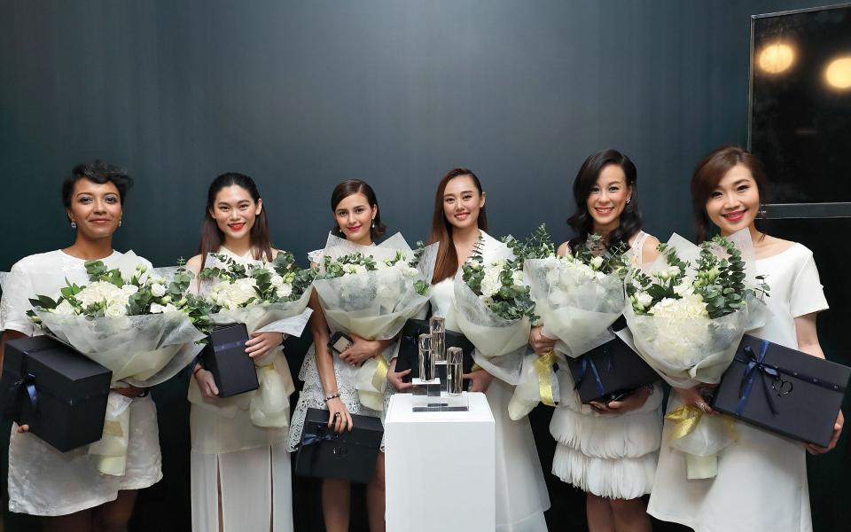 Sasibai Kimis, Dr Er Ping Ling, Che Puan Juliana Evans, Joey Cheong, Dr Helena Lim and Phoebe Yap