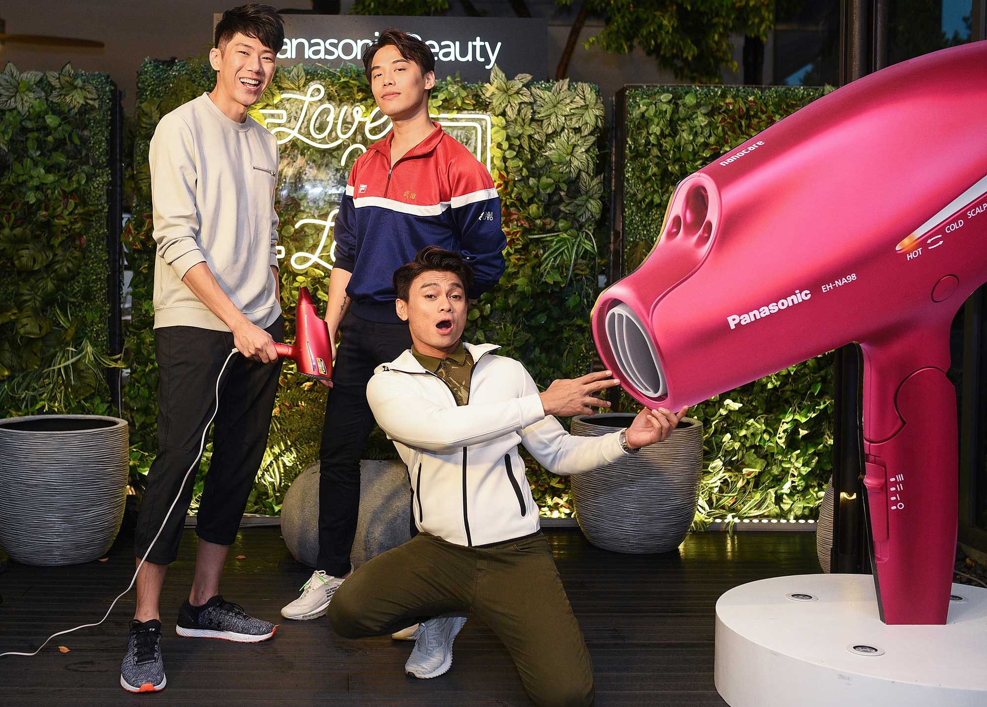 Tommy Tong, Preston Keen and Fiqrie. Photo: Panasonic Beauty Malaysia.