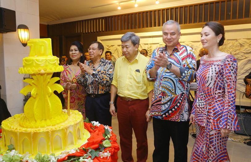 HRH Sultan Sharafuddin Idris Shah once again celebrated his birthday in an intimate affair surrounded by his closest friends and family.
