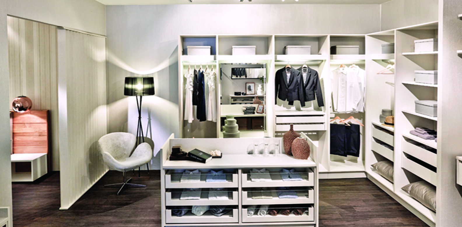 How To Perfectly Organise Your Walk In Wardrobe