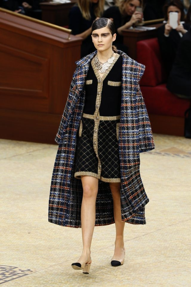 9d99f56f9796 A Chanel look at the 2015-2016 fall/winter ready-to-wear collection fashion  show