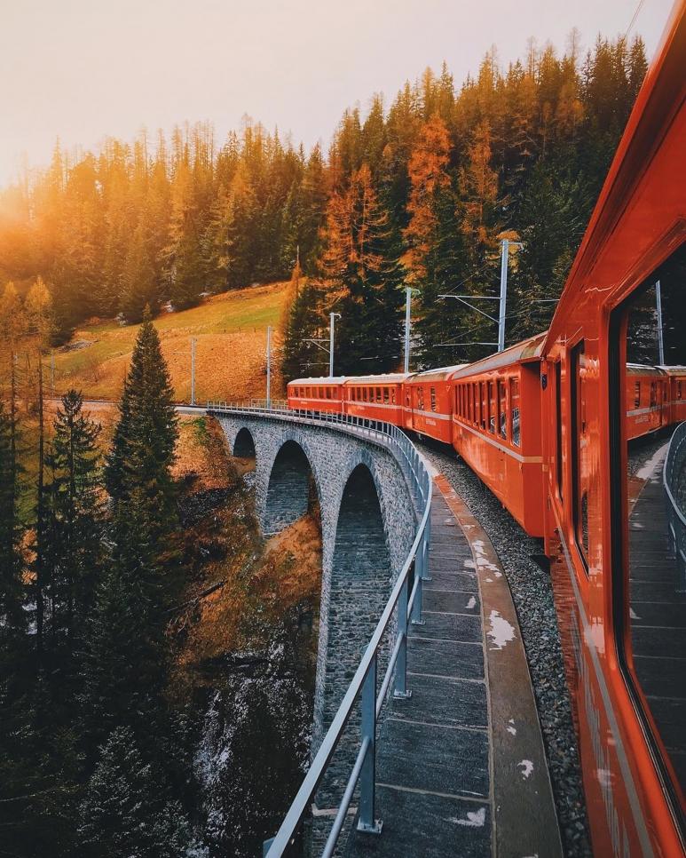 Switzerland-by-@jamesrelfdyer.jpg