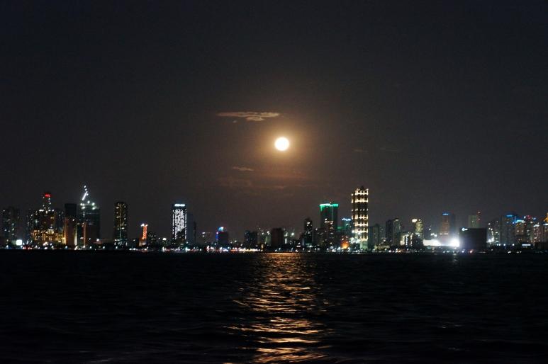 manila-bay-at-night-aboard-lagoon-catamaran.jpg