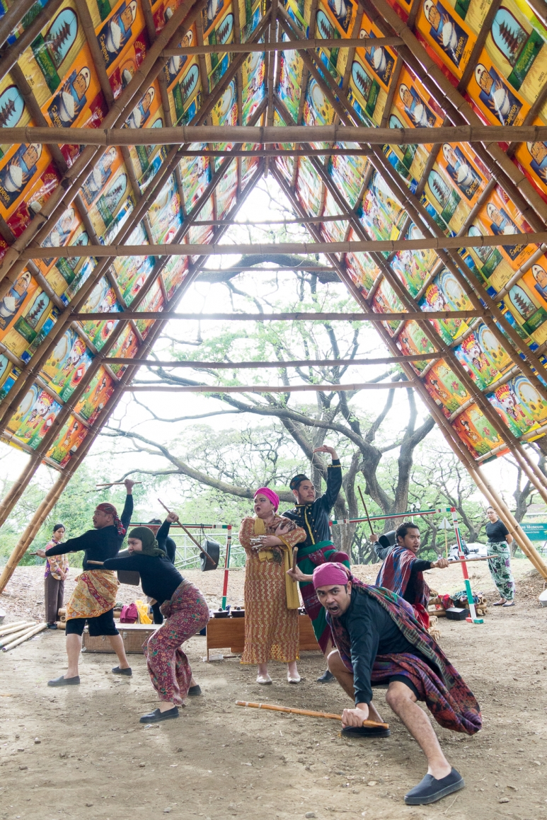 Traditonal dance under an installation by Nining Tan and Nousika Fuminori.jpg