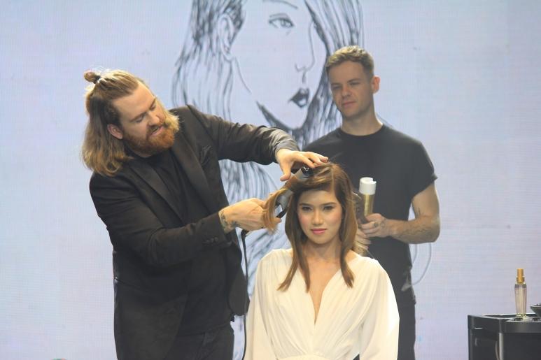Matthew-Collins-Hair-Contouring-Demo.jpg