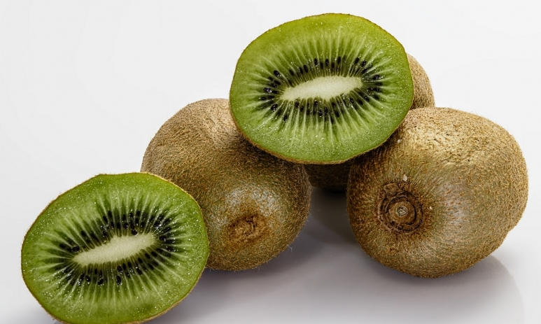 kiwifruit-fruit-kiwi-food-53426.jpg