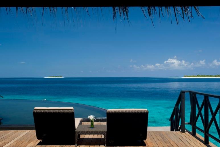 beach-house-iruveli-maldives-resort-c_o-my-maldives.jpg