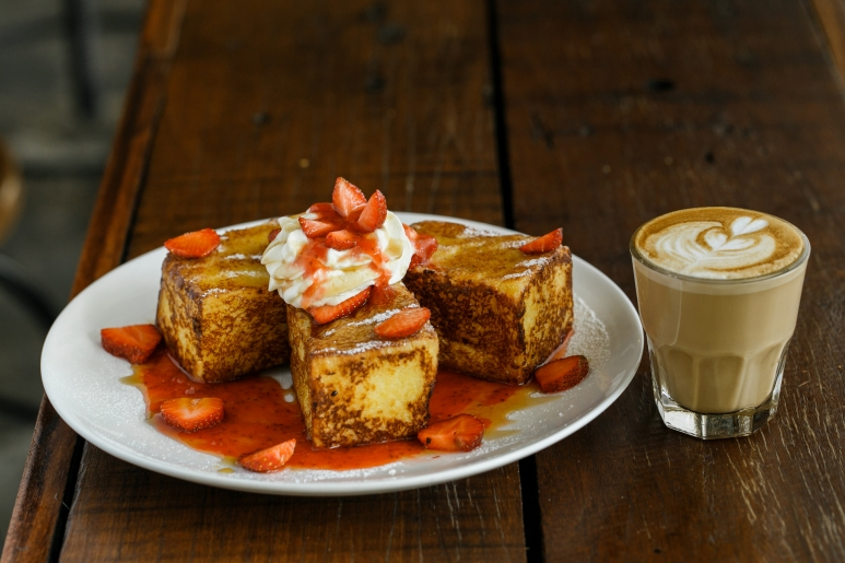 STRAWBERRY CREAM CHEESE FRENCH TOAST.jpg
