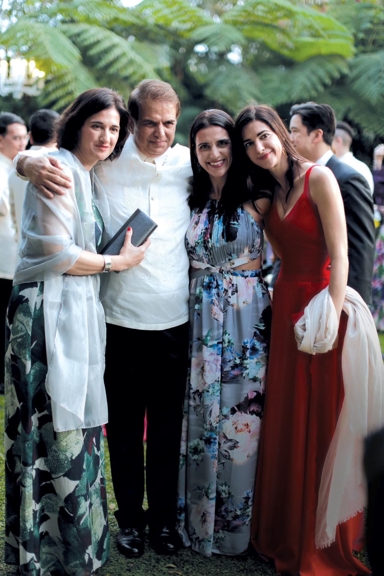 Patricia Rincon Olbes, Rene Ros Olbes, Virginia Rincon Olbes, Loreta Rincon Olbes