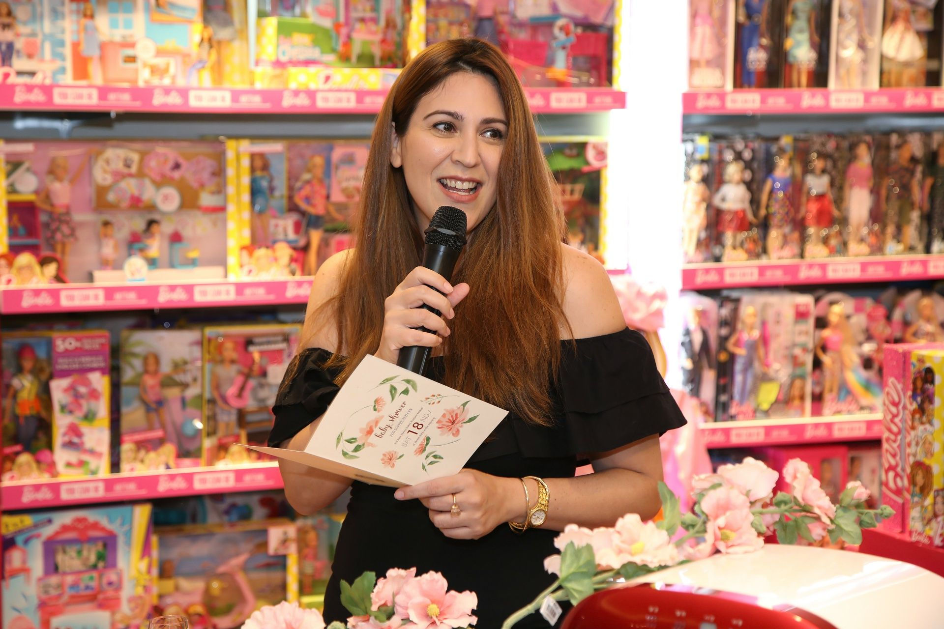Amaya Barretto, hosting the event