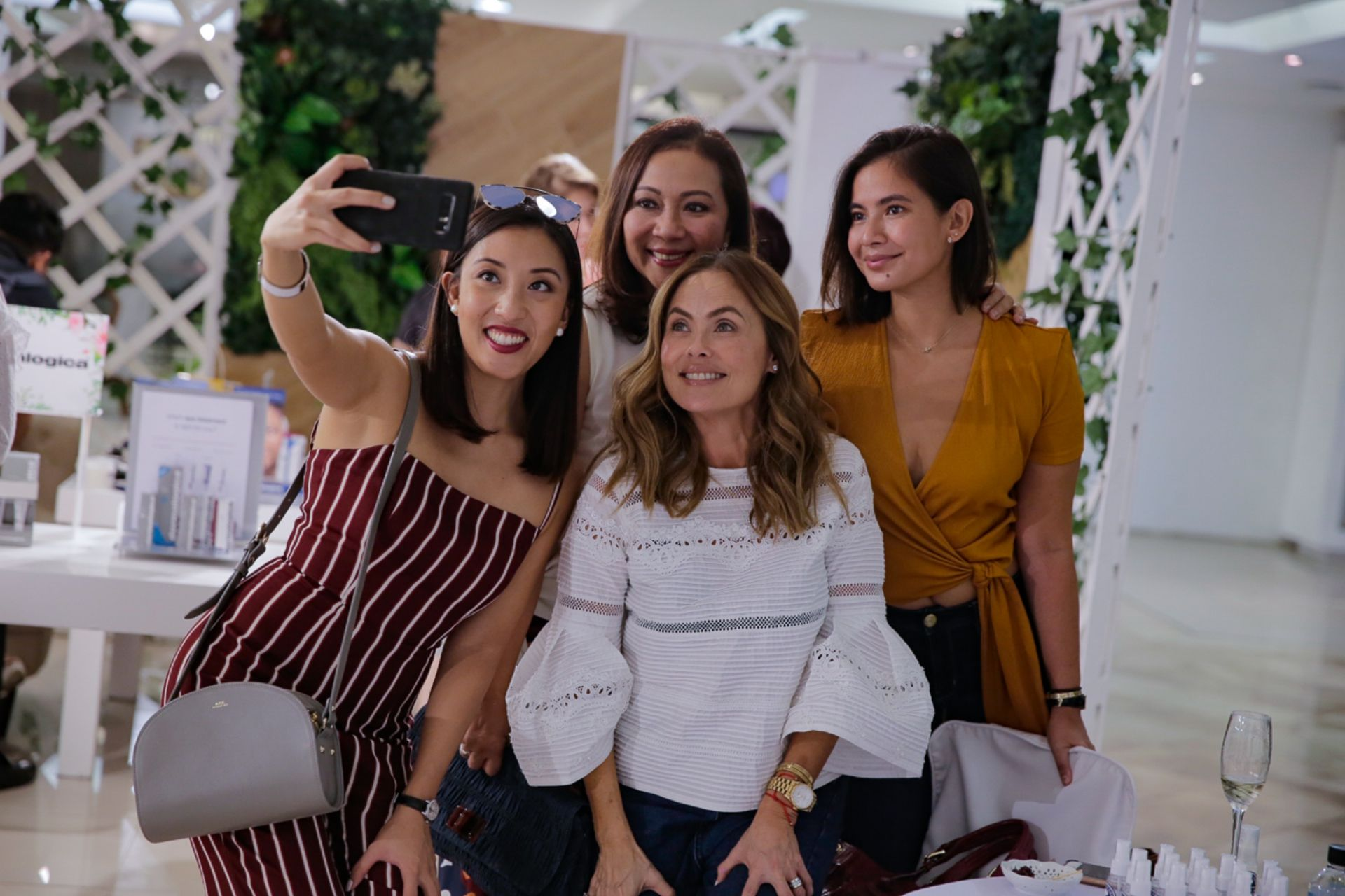 Cristina and Arlene Cu with Joanna Preysler and Monica Dizon