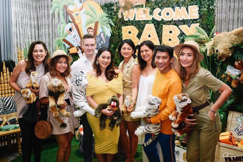 Ruffa Gutierrez, Leah de Guzman, the beaming parents-to-be, Miriam Quiambao-Roberto, Alice Dixson, Frank Briones & Phomela Baranda