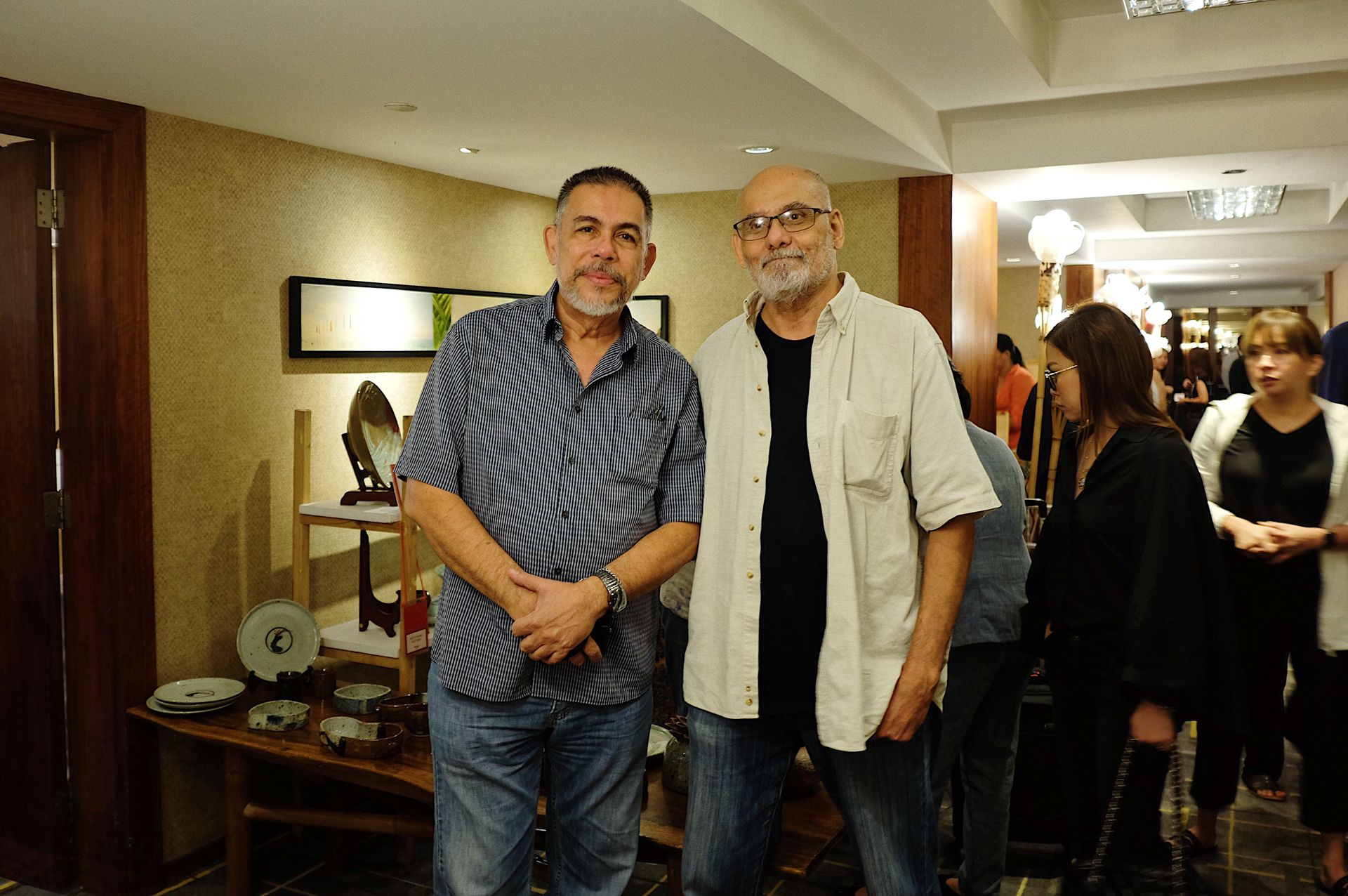 Renowned photographer Wyg Tymans with  ceramic master and exhibitor Jon Pettyjohn