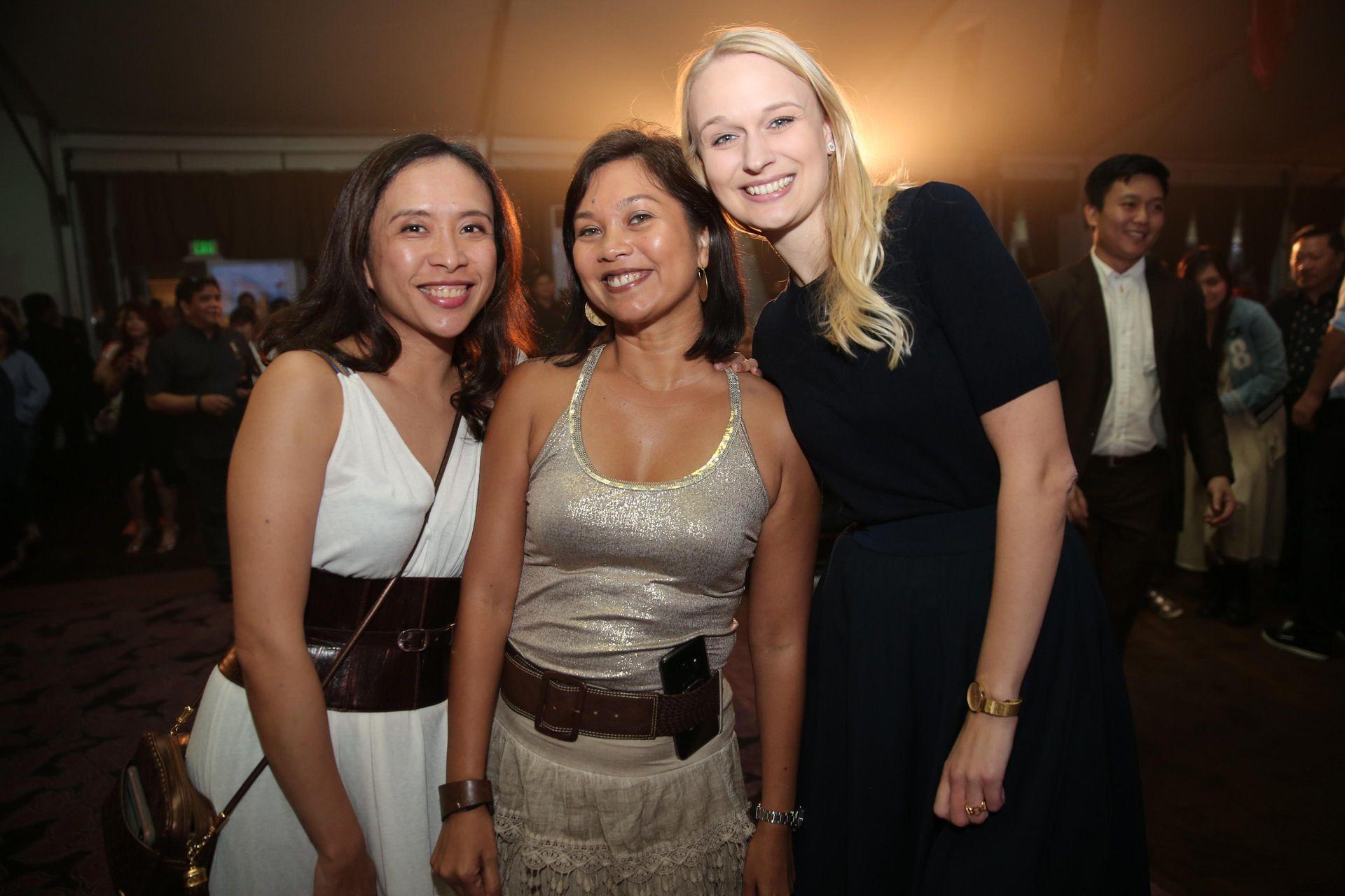 Christina Cuyco, Shiela Paul and NNIT's Karina Juhl Kristiansen