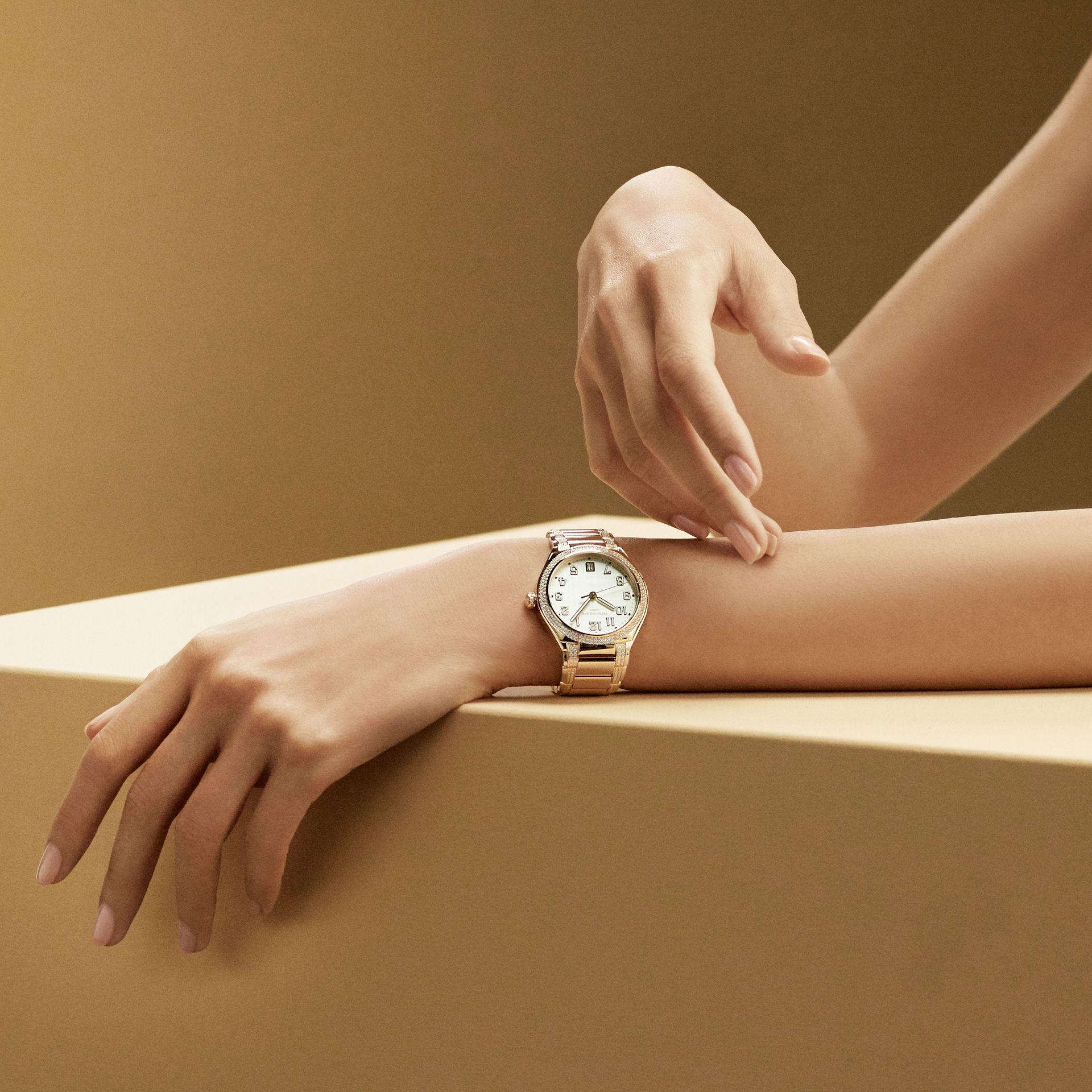 Patek Philippe Revives The Ladies' Twenty~4 Timepiece
