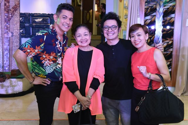 Gary Valenciano, Shining Light Foundation's Angeli Pangilinan-Valenciano, Paolo Valenciano and Ayala Malls Consumer Engagement Marketing Manager Tin Enriquez – Yabao