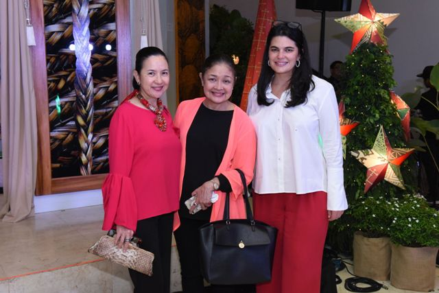 Mia Borromeo, Shining Light Foundation's Angeli Pangilinan-Valenciano and Ayala Malls Deputy Head Mariana Zobel de Ayala
