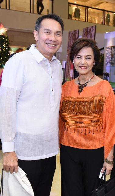 Chief Executive Officer and President of Ayala Land, Inc.  Bobby Dy and Tukod Foundation's Denise Mañosa.