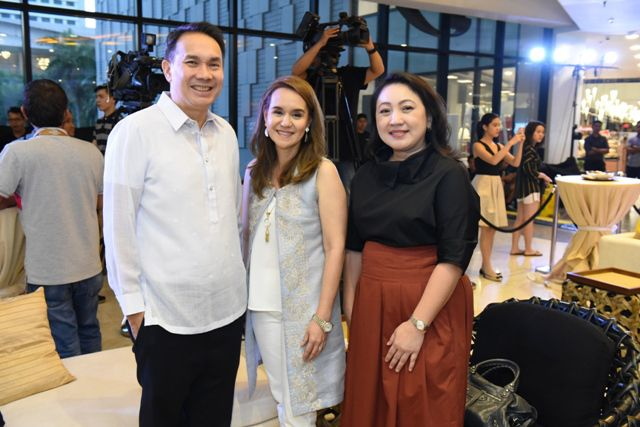 Chief Executive Officer and President of Ayala Land, Inc.  Bobby Dy, Bambi Mañosa – Tanjutco and Head of Ayala Malls Group Yeng Tupaz