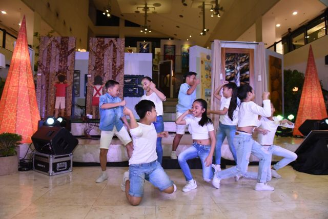 Steps Dance Studio Kids performed a dance number with the song Jak en Poy, an original from the Awit at Laro Album