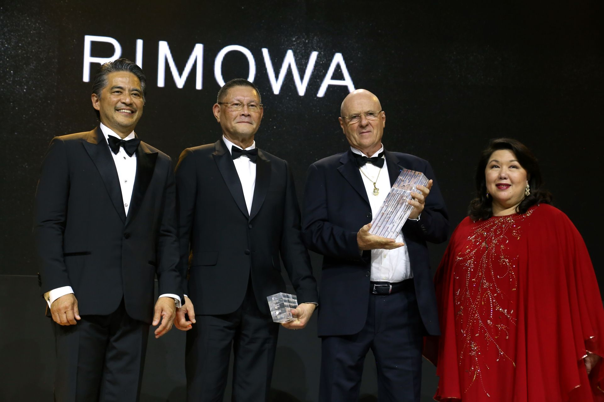 Diamond Awardees Manuel Cojuanco and Jacques Branellec smile for the cameras. | The diamond awardees also received a gift courtesy of Rimowa.
