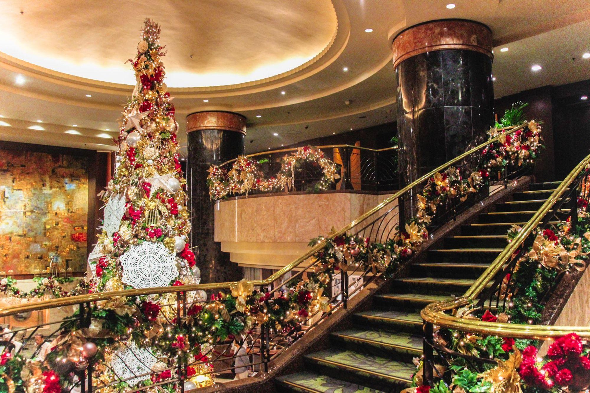 Must-See Gorgeous Christmas Trees Around Metro Manila