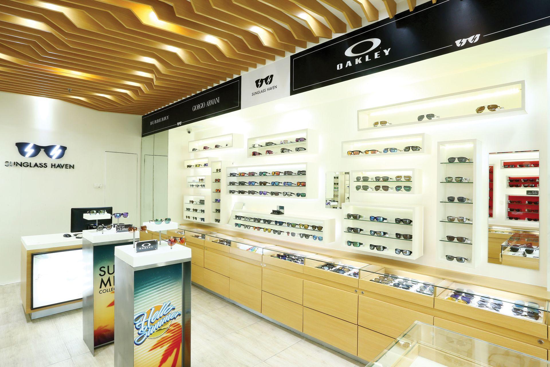 2279df60ce1 Luxury Eyewear Search Result
