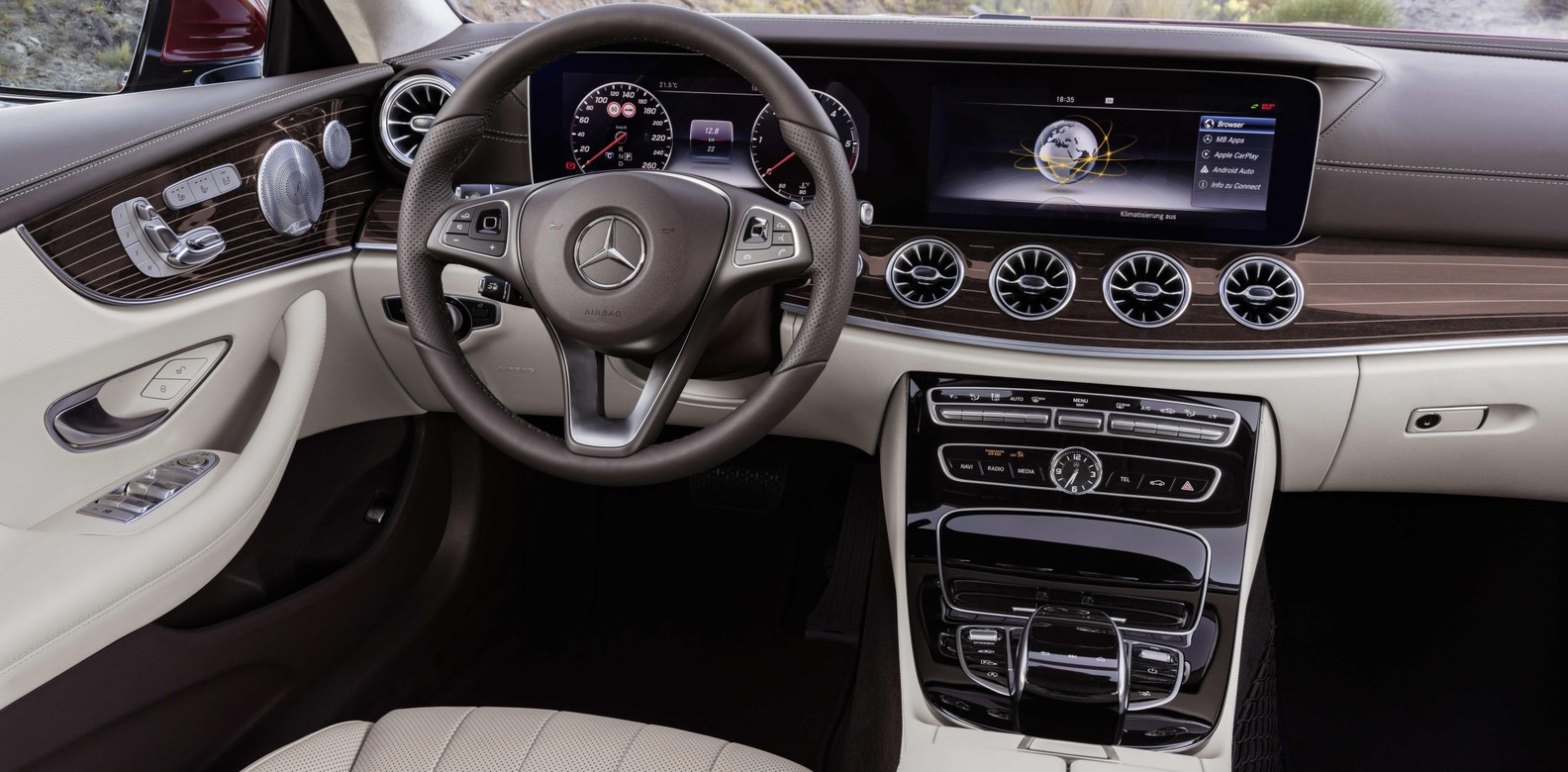 Mercedes-Benz E-Class: Locking and unlocking centrally