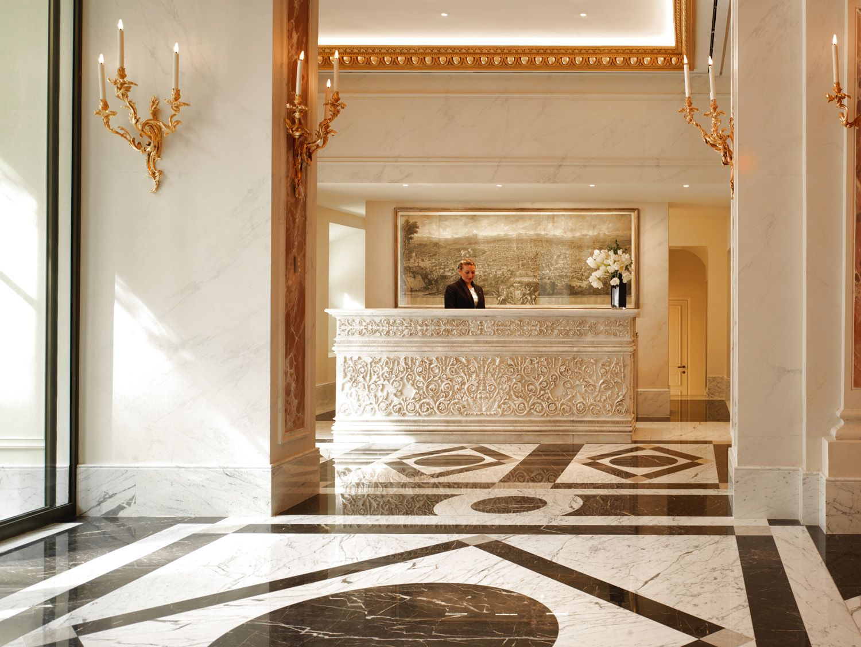 Hotel Eden reception area
