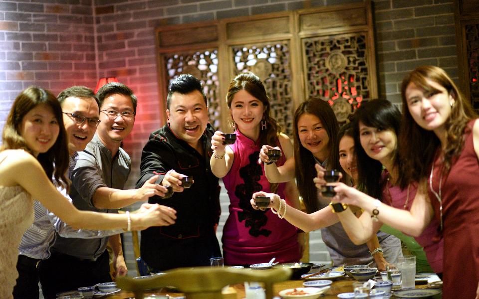 Veron Chan, Lawrence Chan, Daniel Chan, Terence Siew, Chermaine Pang, Angela Ng, Vanessa Ng, Evelyn Sam, Jolie Quek